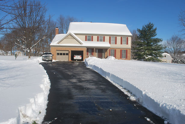 snow blower clear driveway